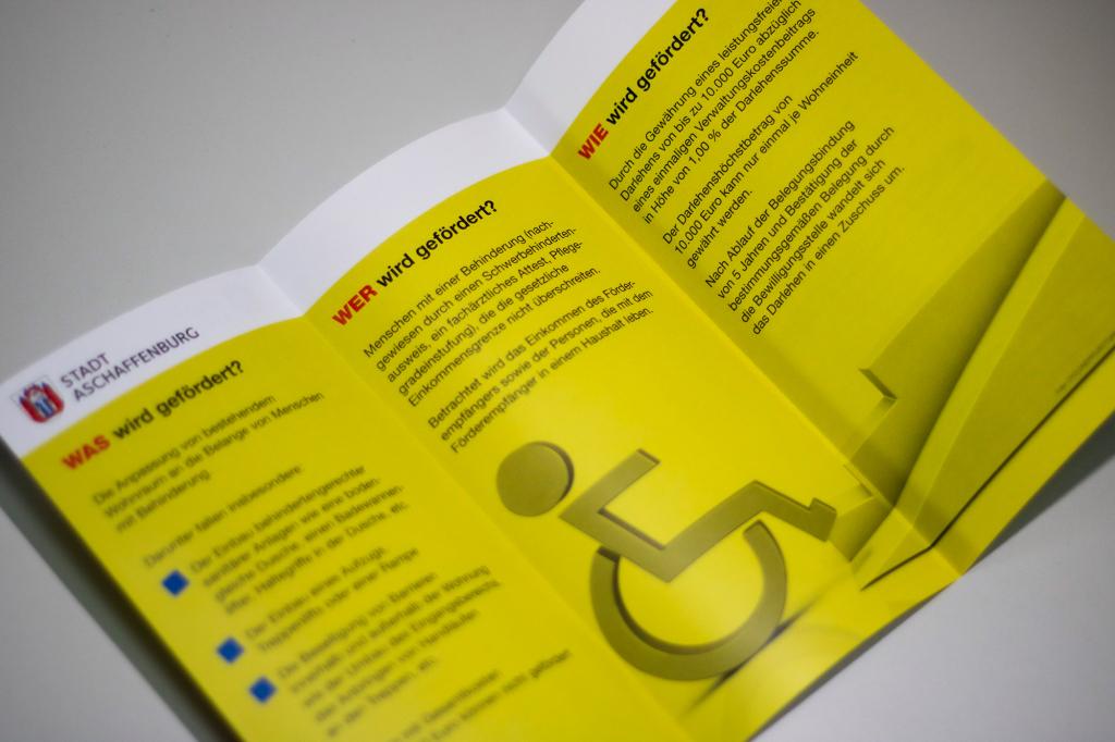 Info-Flyer der Stadt Aschaffenburg zur Wohnraumanpassung für Menschen mit Behinderung